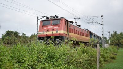 Попытка  селфи на фоне поезда окончилась гибелью трёх студентов