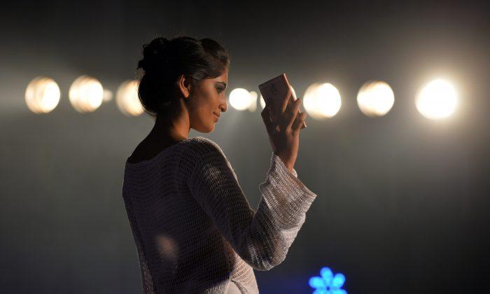 Правительство Индии подготовило свой первый проект политики в отношении Интернета вещей - инициативы, которая, как ожидается, поможет сформировать предлагаемые 100 умных городов. (Манджунатх Киран / AFP / Getty Images)   Epoch Times Россия