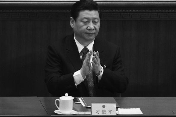 Си Цзиньпин на закрытии Всекитайского собрания народных представителей 14 марта 2011 года в Пекине, Китай. Фото: Feng Li/Getty Images | Epoch Times Россия