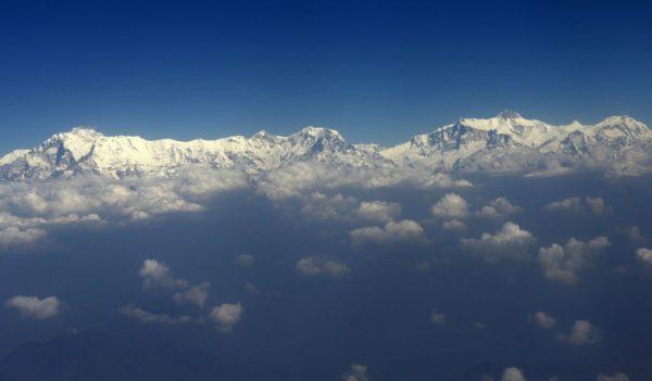 Гималаи к западу от Катманду. Фото: PRAKASH MATHEMA/AFP/Getty Images | Epoch Times Россия