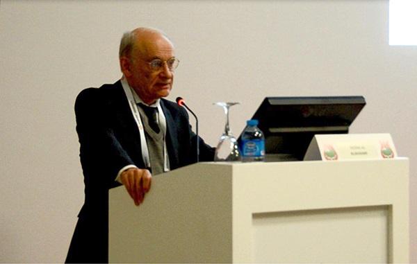 Адвокат о правам человека Дэвид Мэйтас выступает на 14-м Конгрессе ближневосточного общества трансплантации органов (MESOT) 10 сентября 2014 года, Стамбул. Фото: Tie Jun/Epoch Times   Epoch Times Россия