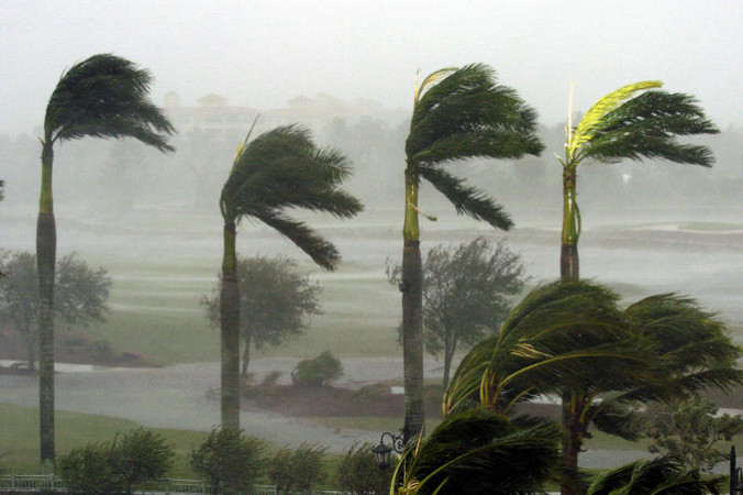 GettyImages 55991112 676x450 2 - Циклон «Худхуд» обрушился на полуостров Индостан в воскресенье