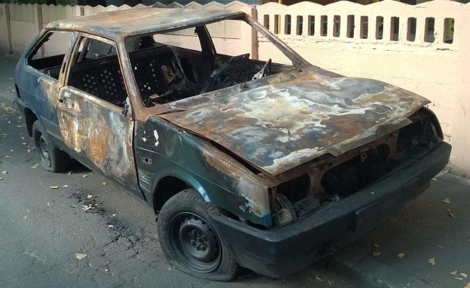 auto 16 676x415 1 - На Западном берегу в машину бросили зажигательную бомбу, серьезно пострадал ребенок