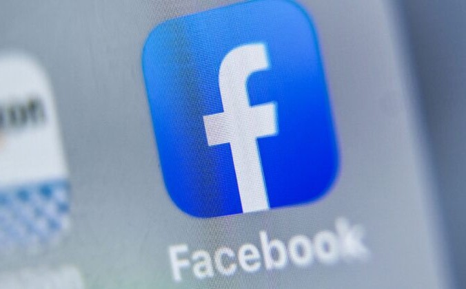 Логотип Facebook отображается на планшете, Лилль, 28 августа 2019 года. Denis Charlet/AFP via Getty Images | Epoch Times Россия