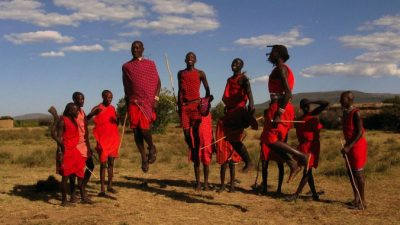 Юноши Масаи соревнуются на Олимпиаде вместо убийств львов