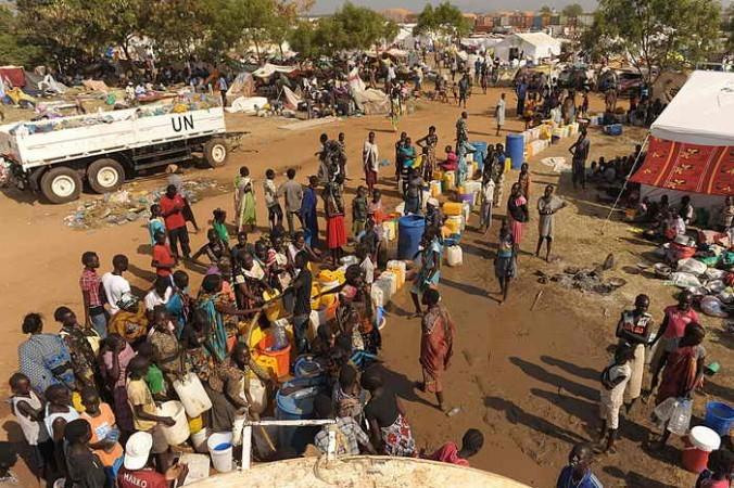 Вынужденными переселенцами в Южном Судане стали 180 тысяч человек. Фото: TONY KARUMBA/AFP/Getty Images | Epoch Times Россия
