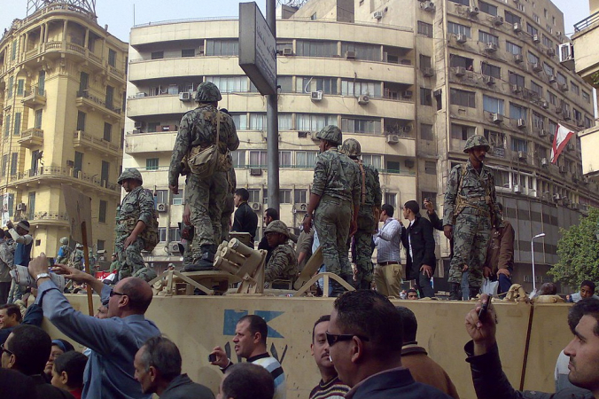 Ramy Raoof - Flickr: Army Truck and Soldiers in Tahrir Square, Cairo, CC BY 2.0, https://commons.wikimedia.org   Epoch Times Россия