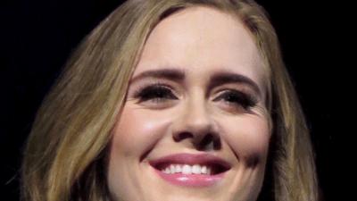 Музыкальные эксперты признали Адель самой успешной певицей года