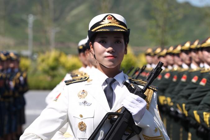 Военнослужащая на репетиции военного парада, который пройдёт 3 сентября в Пекине. Фото: ChinaFotoPress/Getty Images   Epoch Times Россия