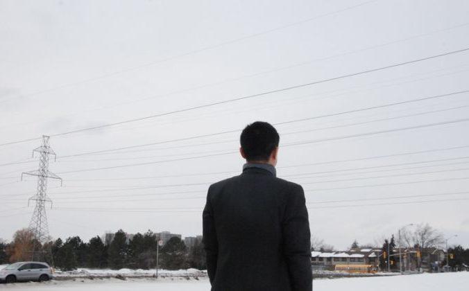 Джордж Чжэн, ныне живущий в Торонто, рассказывает, как он стал свидетелем извлечения органов у живых людей в провинции Шеньян, Китай, в 1990-х годах. Фото: Yi Ling/The Epoch Times | Epoch Times Россия