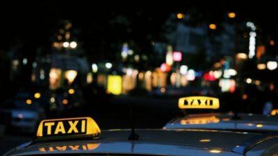 Одинокая мама троих детей ночами работала на такси ради мечты. Сделать к ней шаг помог случайный пассажир