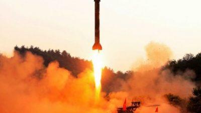 В КНДР испытана ракета, производством которой руководил Ким Чен Ын