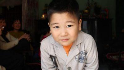 10-летний мальчик живёт один и вежливо отказывается от приюта и любой помощи