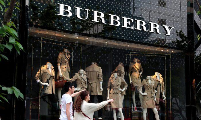 Брендовый магазин Burberry в Шанхае, Китай, 25 апреля 2014 г. (Kevin Lee/Getty Images)   Epoch Times Россия