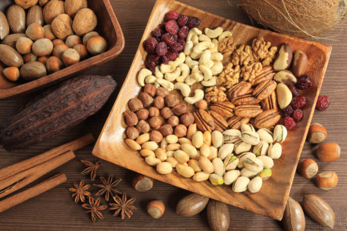 Орехи всегда значились вверху списка здоровых альтернатив для перекуса. Фото: dermalatlas.ru | Epoch Times Россия