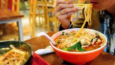 В китайских ресторанах повторно используют остатки еды