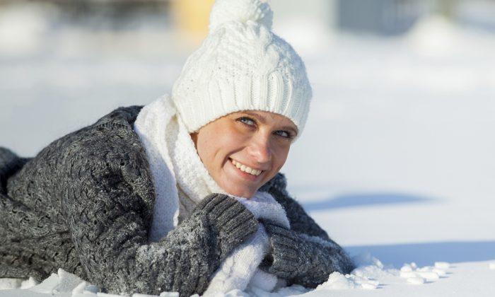 Одевайтесь, когда выходите на улицу, потому что, согласно китайской медицине, холод может вызвать судороги и бесплодие. (/ iStock / Thinkstock) | Epoch Times Россия