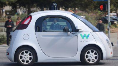 Google: липкое покрытие автомобиля защитит пешехода при столкновении
