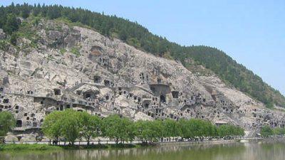 Изумительный пещерный комплекс Лунмэнь в Китае (фотографии + видео)