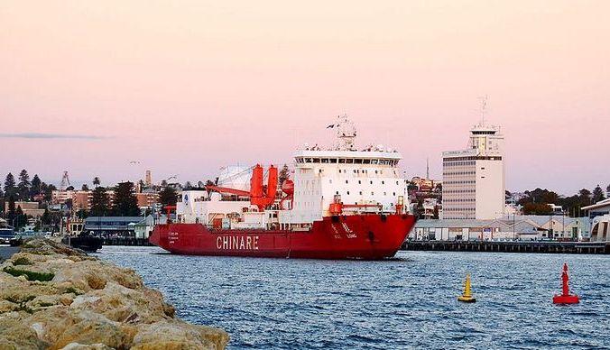 Китайский ледокол Xue Long отплывает из порта Фримантл на пути домой из Антарктиды. Bahnfrend/Wikimedia Commons, CC BY-SA   Epoch Times Россия