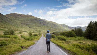Успешный мужчина почувствовал себя одиноким. Признался в этом на весь мир и даже нашёл решение своей проблемы!