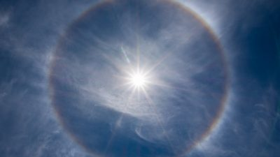 С 25 марта петербуржцы будут наблюдать солнечное гало
