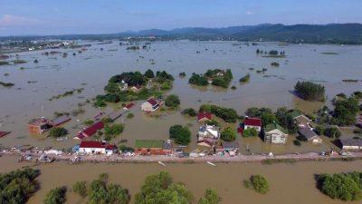 Сотни тысяч людей пострадали от наводнений в Китае