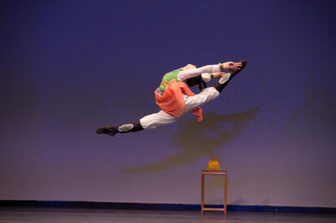 Элси Ши, танцовщица Shen Yun Performing Arts, получила золотую награду на Международном конкурсе классических китайских танцев NTD в 2016 году. (Ларри Дай)   Epoch Times Россия