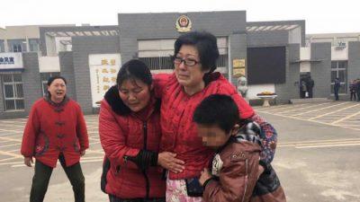 Женщина, издевавшаяся над приёмным сыном, освобождена из тюрьмы