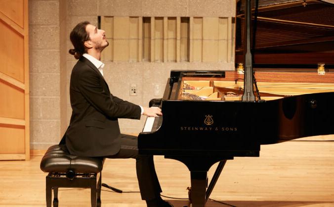 Николя Джакомелли на Международном конкурсе пианистов NTD в Нью-Йорке. (Epoch Times)   Epoch Times Россия