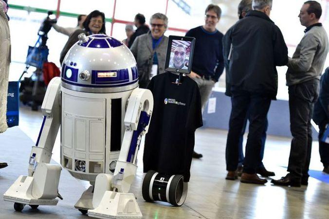 Робот R2-D2. Фото: GERARD JULIEN/AFP/Getty Images   Epoch Times Россия