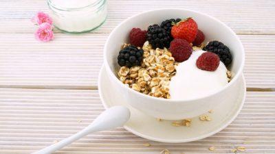 Маски из молока и йогурта