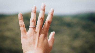 Лена Ленина — о здоровье ногтей