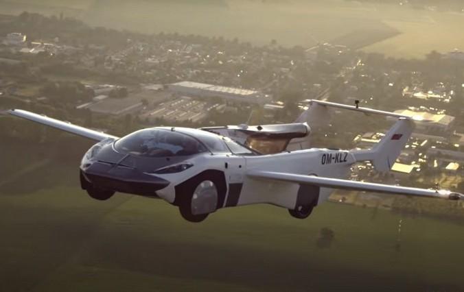 Автомобиль за 2 минуты превратился в самолёт и совершил междугородный перелёт (Видео)