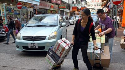 Китайцам с материка ограничат въезд в Гонконг