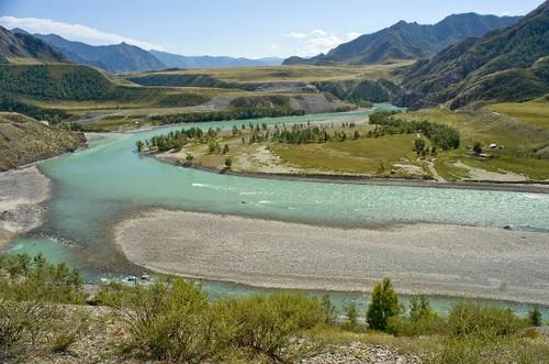 Алтай стал самым популярным направлением туризма в России