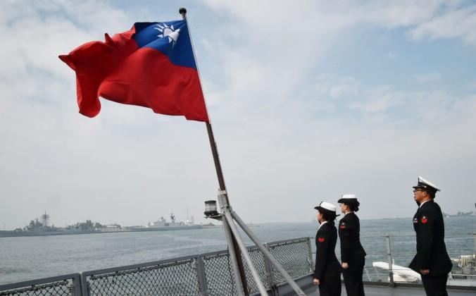 Тайваньские моряки на палубе корабля Panshih после участия в ежегодных учениях на военно-морской базе Tsoying в Гаосюне, Тайвань, 31 января 2018 г. Mandy Cheng / AFP via Getty Images   Epoch Times Россия
