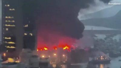 В Гонконге загорелись 16 судов, не менее 10 из них затонули