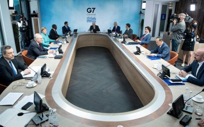 Лидеры G7 и их гостей на рабочем заседании во время саммита G7 в Карбис-Бэй, Корнуолл, Великобритания, 12 июня 2021 г. Brendan Smialowski/POOL/AFP via Getty Images | Epoch Times Россия