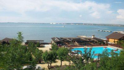 С 1 августа власти Краснодарского края закроют курорты для непривитых граждан