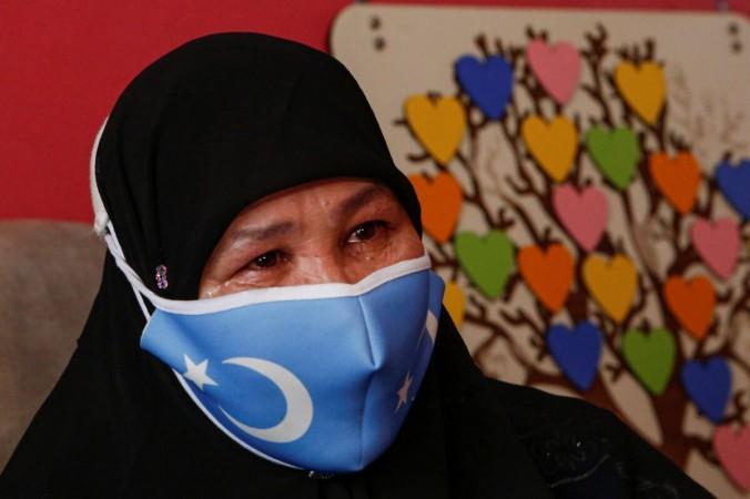 Уйгурские беженцы рассказали о принудительных абортах и пытках в Синьцзяне