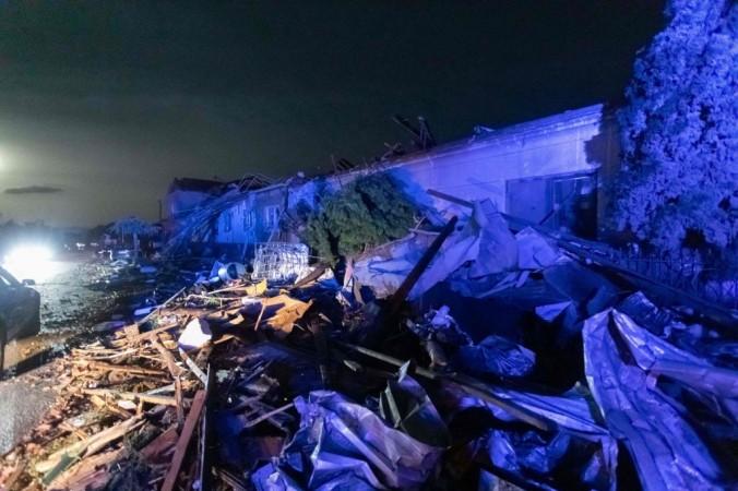 Повреждённые здания в деревне Хруски, в 60 км к югу от Брно, Южная Моравия, Чешская Республика, после удара торнадо 24 июня 2021 года. RADEK MICA /AFP via Getty Images   Epoch Times Россия