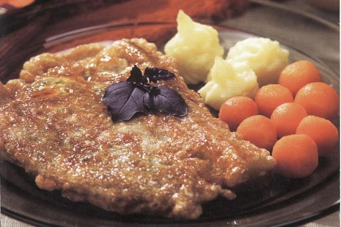 Готовим свинину, карбонад с косточкой. Скриншот из книги «Кулинарные шедевры Латвии» Лолиты Шелвах   Epoch Times Россия