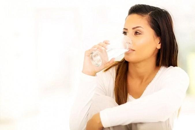 Питьевая вода способствует самовосстановлению вашего тела. (Фото: <a href=