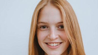 Гладкая кожа и здоровые волосы — секрет молодости