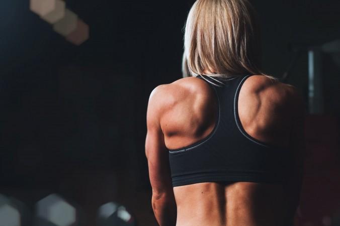 Как выровнять осанку? Несложные и эффективные упражнения для спины