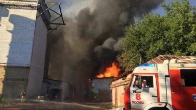 Пожар на складе пиротехники в Москве потушили. Пострадали четверо человек