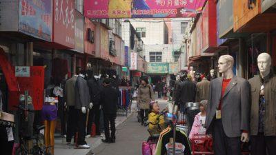 В Китае сотни предпринимателей сгоревшего рынка требуют от властей компенсации