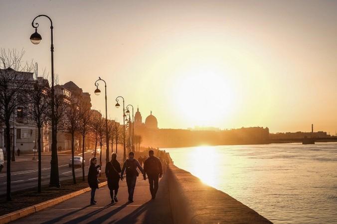 sunset 4897949 1280 676x450 1 - Санкт-Петербург ввёл ограничения из-за коронавируса
