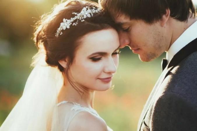 Не существует фиксированного возраста для вступления в брак, но есть некоторые очевидные преимущества в раннем браке.(Изображение: через<a href=